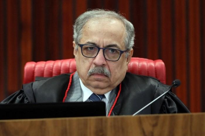 Relator vota por inelegibilidade de Ricardo Coutinho