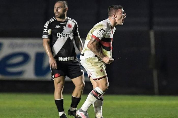 Atlético-GO vence o Vasco e deixa a lanterna do Brasileiro
