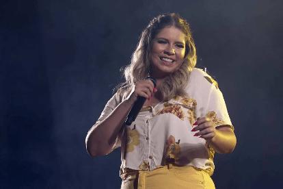 Marília Mendonça anuncia DVD e divulga nova música