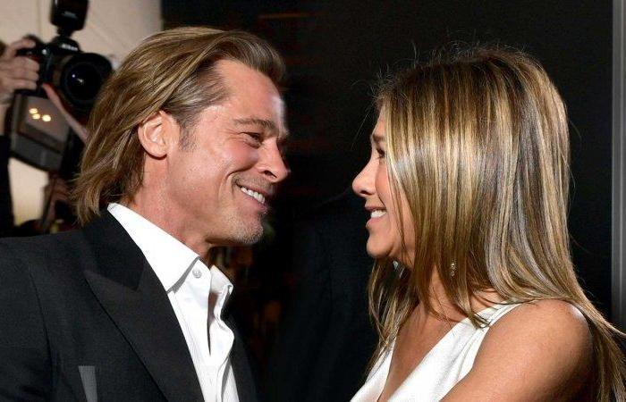 Jennifer Aniston e Brad Pitt flertam em leitura de filme
