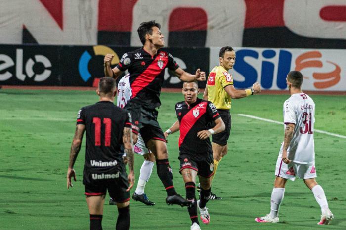 Atlético-GO elimina time carioca na Copa do Brasil