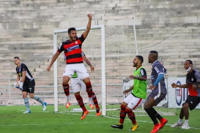 Campinense bate Atlético-PB e dorme no G4 da Série D