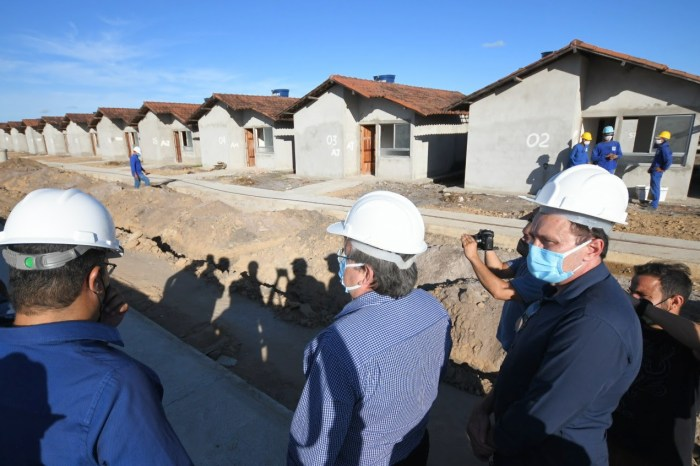 João faz visita às obras de construção de 500 unidades habitacionais em Santa Rita
