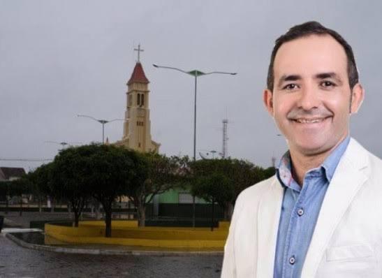 Adriano Wolff é reeleito prefeito de São Sebastião do Umbuzeiro com vitória esmagadora