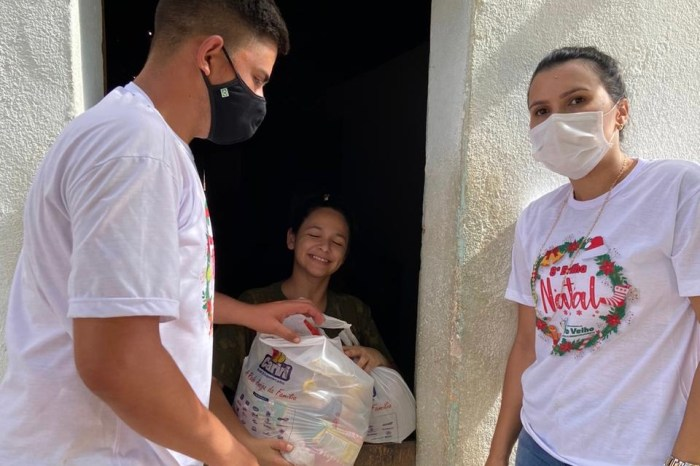 Prefeitura de Ouro Velho distribui 800 cestas natalinas para famílias carentes do município