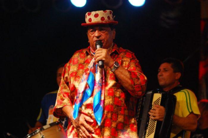 Piora estado de saúde de Genival Lacerda; cantor está internado com covid