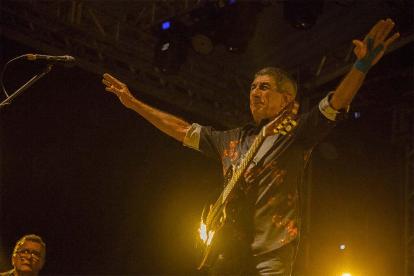 Raimundo Fagner lança disco para quem sofre de amor