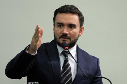 Autor da PEC da Imunidade admite incluir prisão por corrupção na proposta