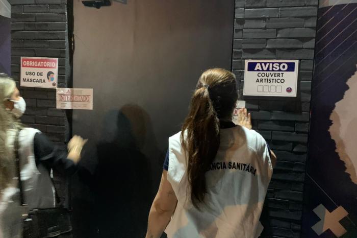 Bares são interditados por descumprimento de decreto contra Covid-19 em João Pessoa