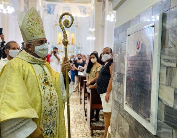 Bispo de Campina Grande celebra Missa da Dedicação do Altar da Igreja Matriz em Monteiro