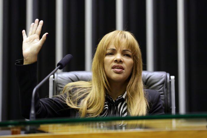 Conselho de Ética da Câmara analisa caso da deputada Flordelis