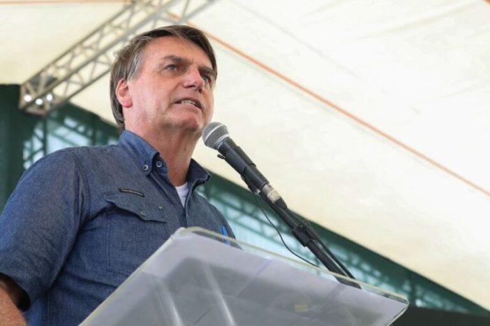 'Chega de frescura e mimimi, vão chorar até quando?', diz Bolsonaro sobre pandemia