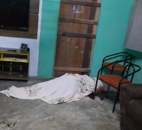 Homem é assassinado a tiros dentro de sua residência na zona rural de Juazeirinho