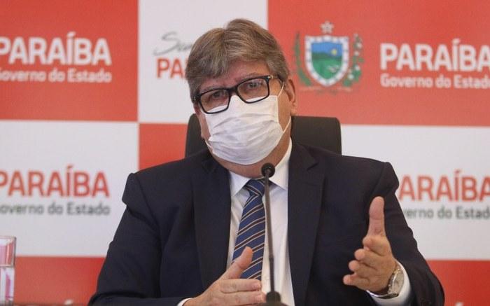 Em telefonema com João Azevêdo, ministro confirma nova remessa de vacinas para Paraíba