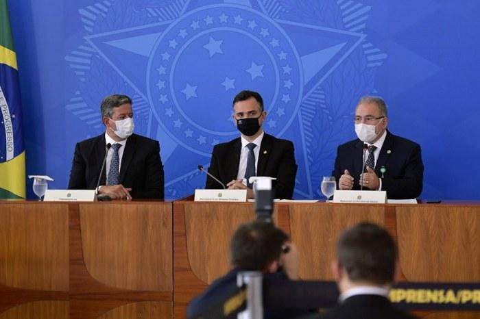 """Pacheco fala em """"discurso uniforme do governo"""" e pede que Bolsonaro defenda vacinação e uso de máscara"""