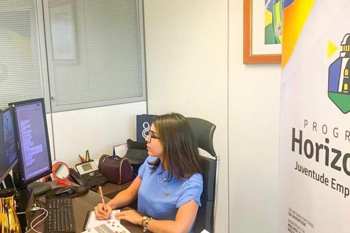 Paraibana, Secretária Nacional de Juventude reúne gestores estaduais para discutir vacinação dos jovens Brasileiros