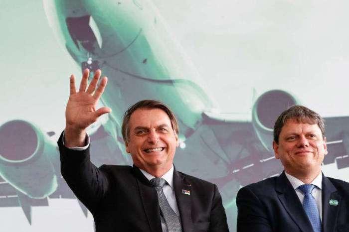 Tarcísio pode disputar governo de SP em 2022, diz Bolsonaro