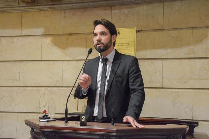 Vereador Jairinho é afastado da principal comissão da Câmara do Rio de Janeiro