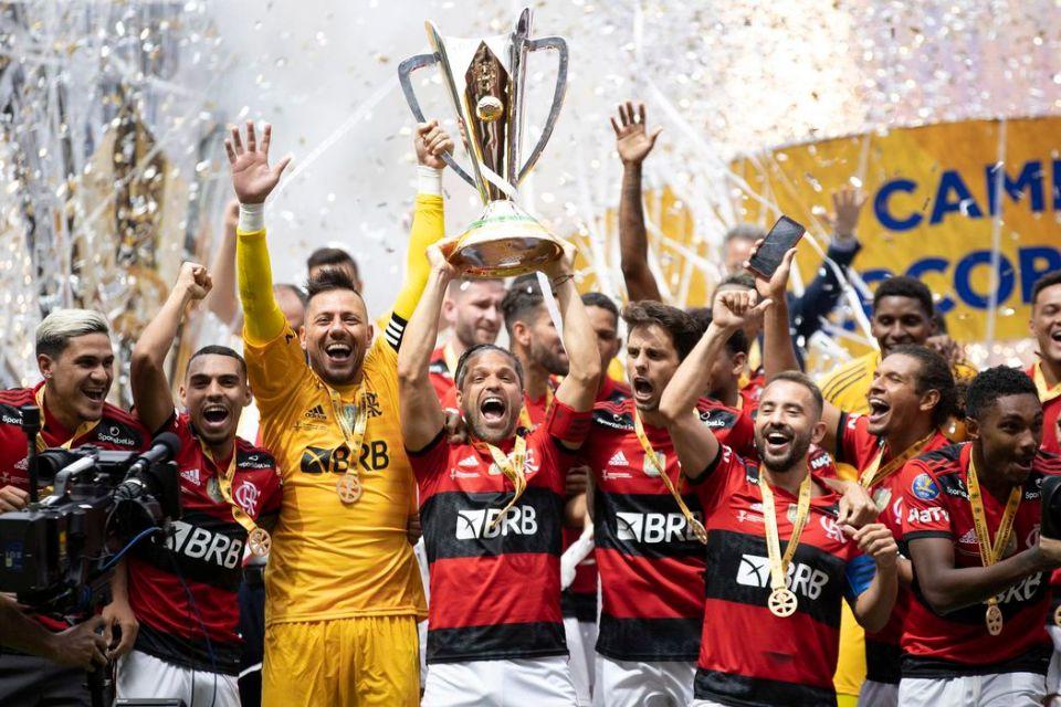 Em jogo emocionante, Flamengo vence o Palmeiras e é bicampeão da Supercopa do Brasil