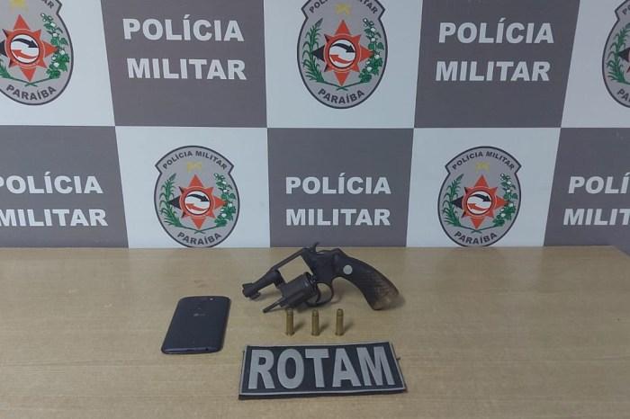 Polícia apreende arma que seria de grupo criminoso em comunidade da Capital
