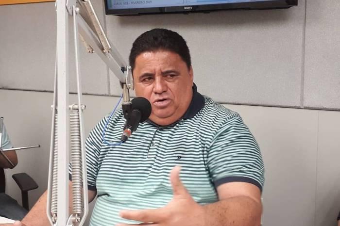 Prefeito de Caraúbas baixa decreto e segue orientações do decreto estadual em combate ao agravamento da Covid-19