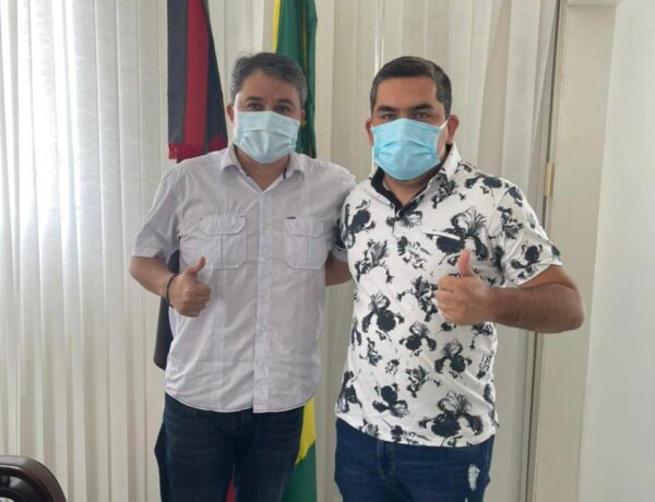 Prefeito Nelsinho confirma apoio incondicional a Efraim Filho para o Senado Federal