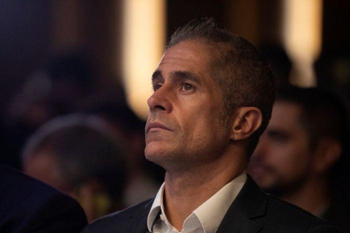 Corinthians anuncia Sylvinho como novo treinador