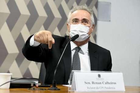 Bolsonaro 'declara guerra ao SUS', diz Renan Calheiros