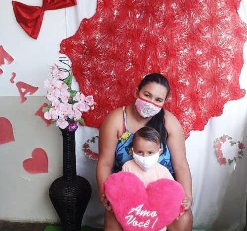 Rede Municipal de Ensino de Monteiro surpreende mães de alunos com homenagem