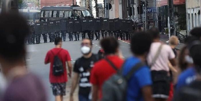 Governador afasta policiais militares envolvidos em agressão contra vereadora, em Recife