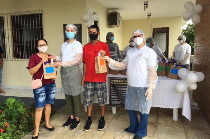 CAPS I de Monteiro realiza drive thru em comemoração a semana de luta antimanicomial