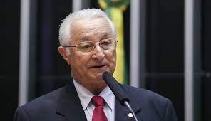 """Frei Anastácio acusa Bolsonaro de realizar """"comícios"""" com dinheiro público, já em campanha para 2022"""