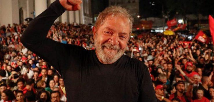 Lula comemora fim de julgamento no STF que confirma a suspeição de Moro