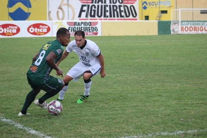 Sousa vence o Treze e chega à vice-liderança do Campeonato Paraibano