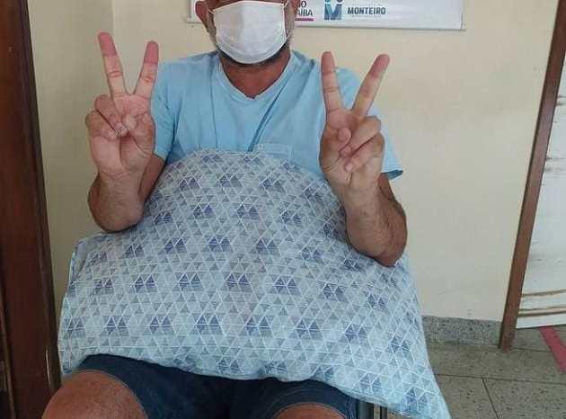 PRATA: Felisardo Moura recebe alta após tratamento da Covid-19