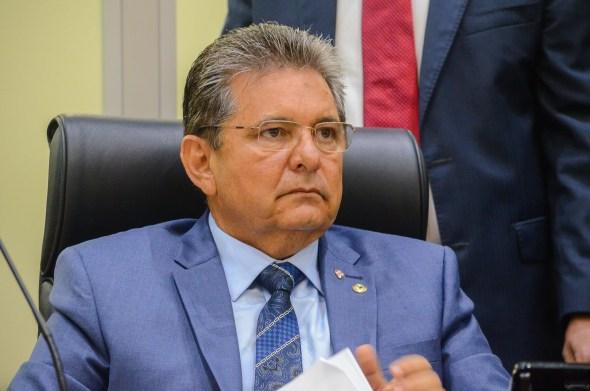 Adriano Galdino lamenta, em vídeo a morte de filha do deputado Tião Gomes