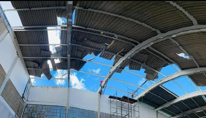 Prefeitura de São Sebastião do Umbuzeiro realiza recuperação de fábrica de ração do município
