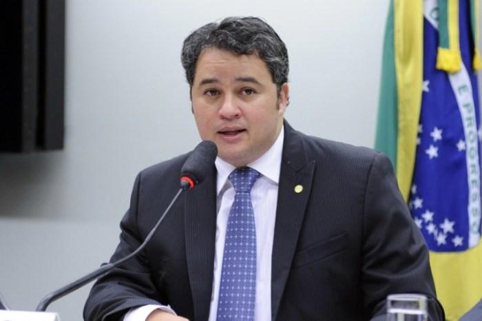 Deputado Efraim Filho destina emenda para seis cidades do Cariri