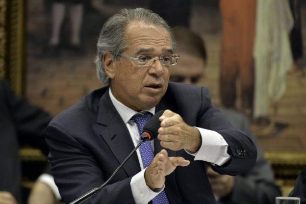 Reforço do Auxílio Brasil exige a cooperação dos Poderes, diz Guedes