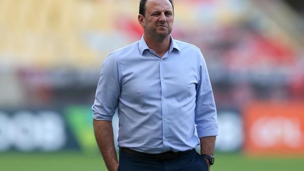 Flamengo anuncia demissão do técnico Rogério Ceni