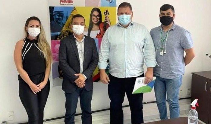 Prefeito de Boa Vista visita Empreender PB e anuncia aberturas de vagas para o município