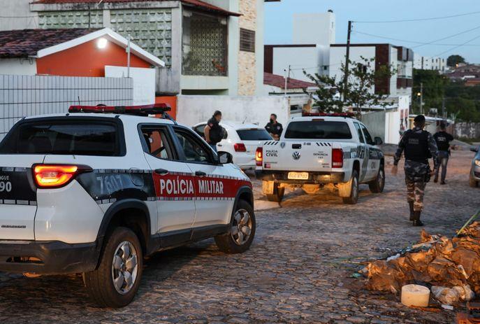 Polícia Civil cumpre 25 mandados de prisão e busca e apreensão de grupos criminosos ligados ao tráfico de drogas na PB