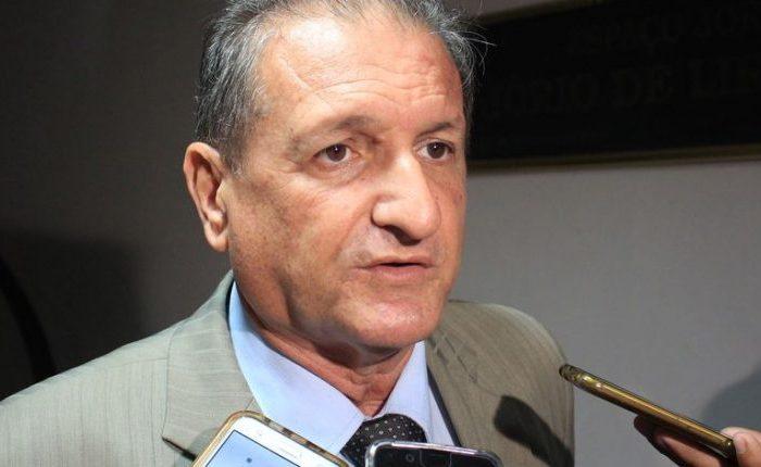 """Hervázio avalia bancada de oposição: """"Tem bons parlamentares, mas no conjunto é sofrível"""""""