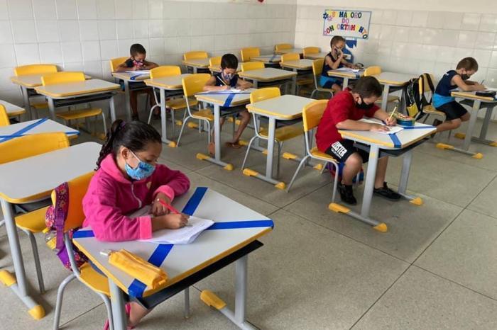 Seduc de Monteiro autoriza retorno de aulas de reforço presencial na Rede Municipal