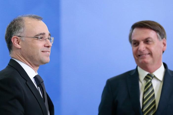 Bolsonaro diz a ministros que André Mendonça será o indicado ao STF