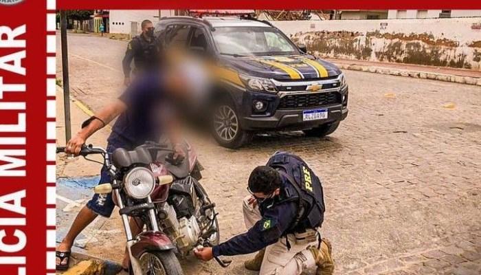 Em operação conjunta com a PRF, Polícia Militar apreende moto clonada em Monteiro