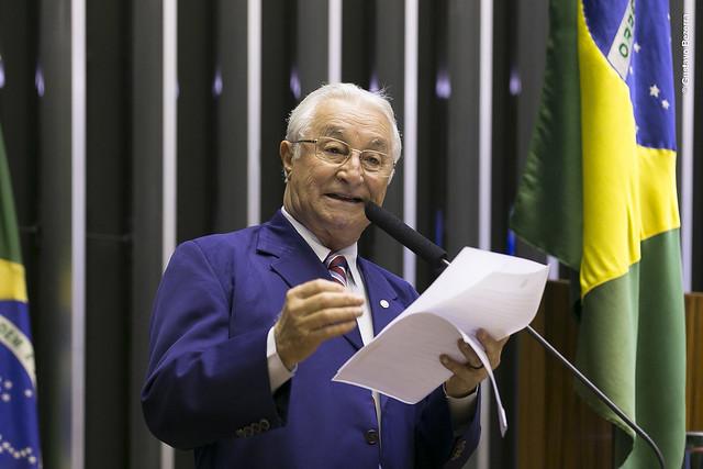 Frei Anastácio é coautor de emenda que obriga militar ir para reserva, depois de ocupar cargo público