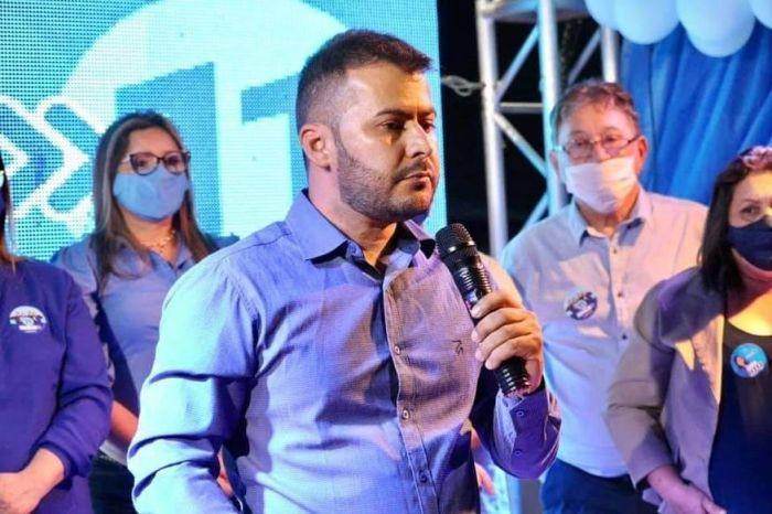 MOÍDOS DA REDAÇÃO: Prefeito de cidade do Cariri faz remanejamento em sua equipe administrativa