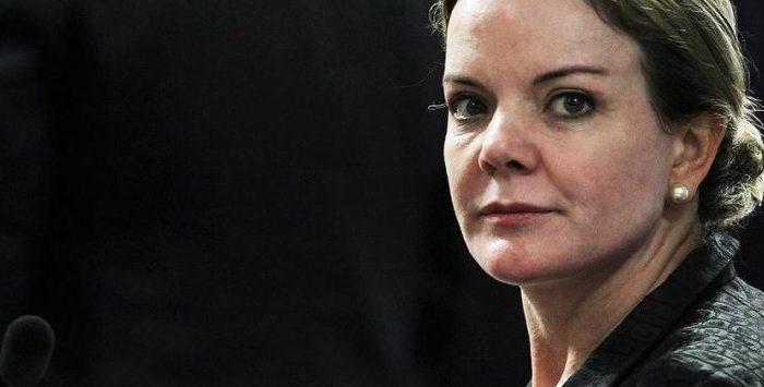 Gleisi Hoffmann aparece como 'morta' em cadastro do SUS e com apelido de 'Bolsonaro'