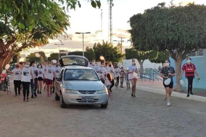 Município do Cariri realiza a 1° caminhada pelo fim da violência contra a mulher